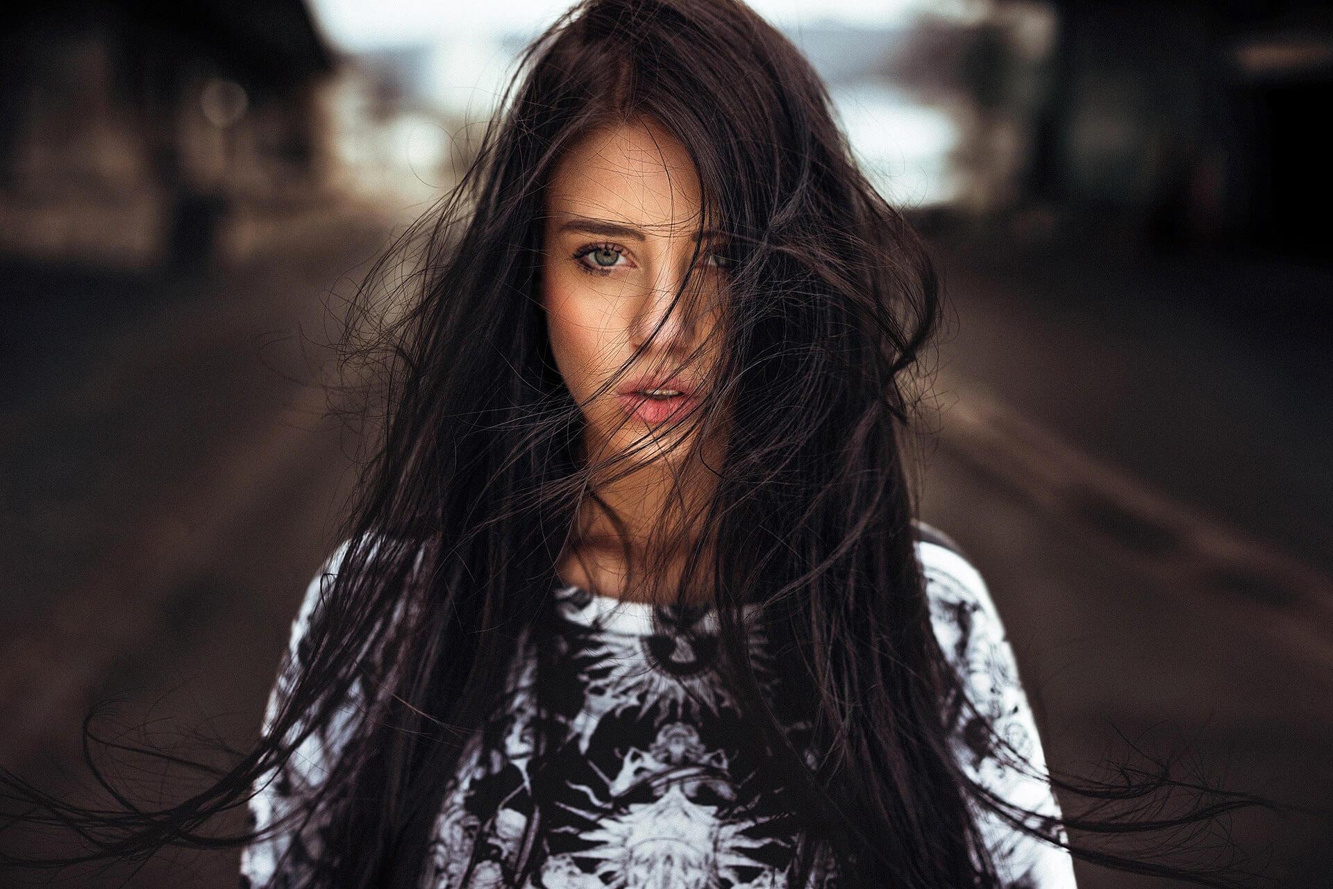 Уход за темными волосами